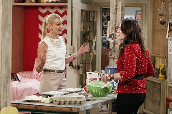 2 Broke Girls And the Pearl Necklace / CBS / Warner