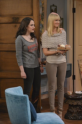2 Broke Girls Season 2 Episode 8 And the Egg Special (1)
