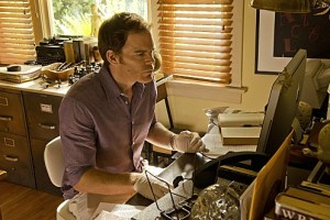 """Dexter Season 7 Review """"Do the Wrong Thing"""""""