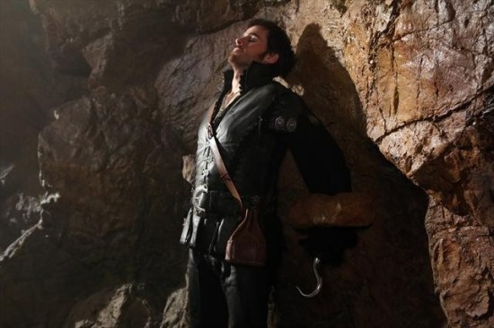 Once Upon a Time Season 2 Episode 8 Into the Deep (7)