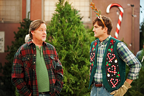 Two and a Half Men Season 10 Episode 11 Give Santa A Tail-Hole (3)