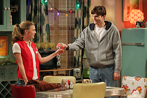 Two and a Half Men Season 10 Episode 11 Give Santa A Tail-Hole (12)