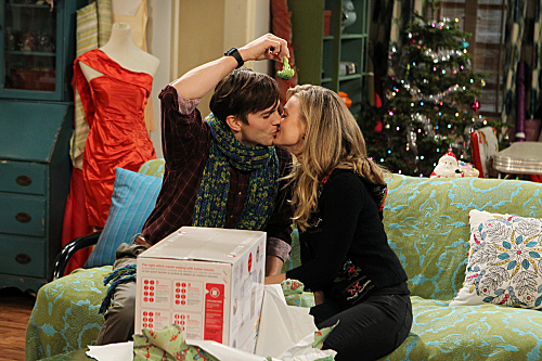 Two and a Half Men Season 10 Episode 11 Give Santa A Tail-Hole (9)