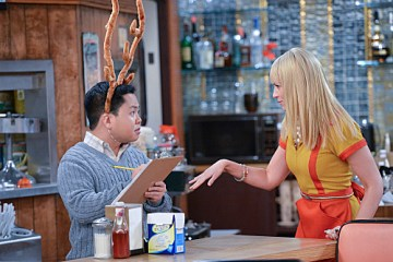 2 Broke Girls Season 2 Episode 12 And The High Holidays
