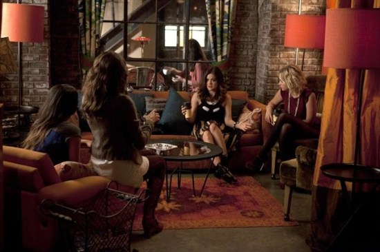 Pretty Little Liars Season 3 Episode 15 Mona-Mania! (7)