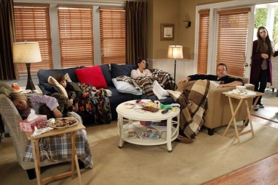 The Neighbors Episode 12 Cold War (3)
