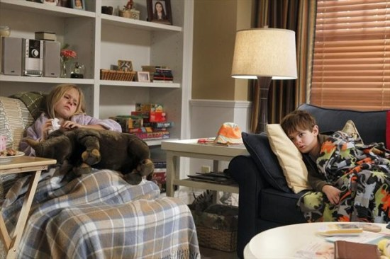 The Neighbors Episode 12 Cold War (2)