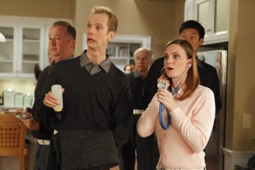 The Neighbors Episode 12 Cold War (11)
