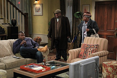 Mike & Molly Season 3 Episode 13 Carl Gets a Roommate (7)