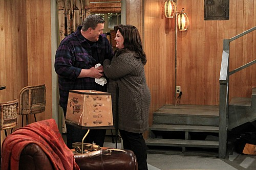 Mike & Molly Season 3 Episode 13 Carl Gets a Roommate (3)