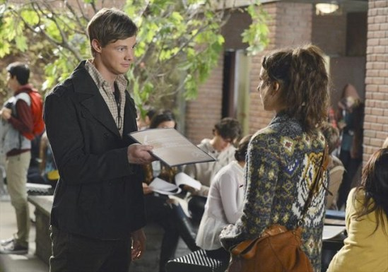 Pretty Little Liars Season 3 Episode 19 What Becomes of the Broken-Hearted (10)