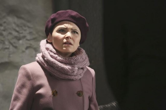 Once Upon a Time Season 2 Episode 15 The Queen is Dead (1)