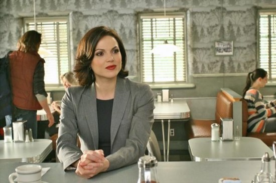 Once Upon a Time Season 2 Episode 17 Welcome to Storybrooke (3)