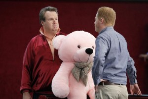 Modern Family Season 4 Episode 22 My Hero (13)