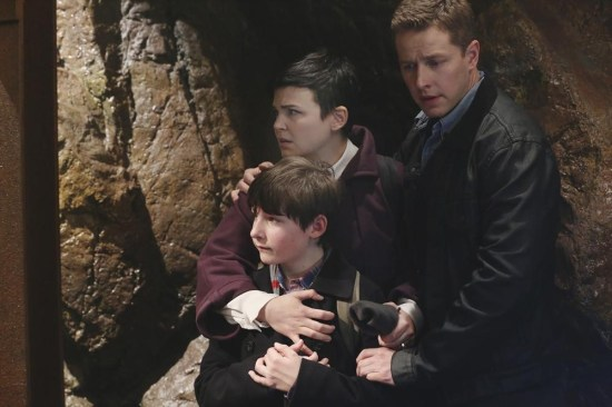Once Upon a Time Season 2 Episode 22 And Straight On 'Til Morning (1)