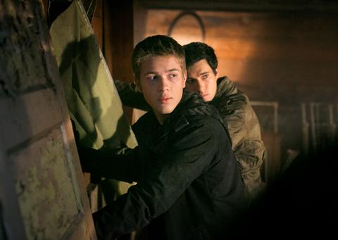Falling Skies Season 3 Episode 7 The Pickett Line (2)