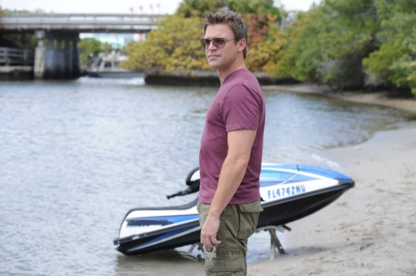 The Glades Season 4 Episode 8 Three S Company 1 293876