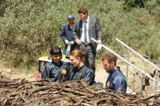 Bones Season 9 Episode 8 The Dude in the Dam 3