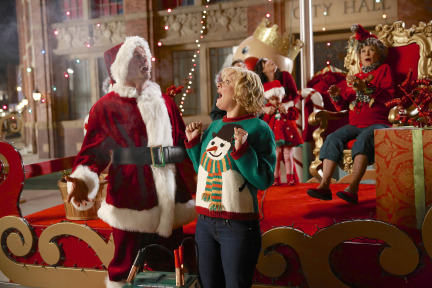 Raising Hope Episodes 9 & 10 The Chance Who Stole Christmas;Bee Story (3)