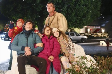 The Middle Season 5 Episode 9 The Christmas Tree (4)