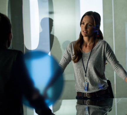 Almost Human Season 1 Episode 10 Perception (4)