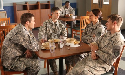 Enlisted (Fox) Episode 6 Brothers and Sister (3)