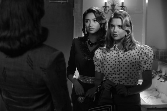 Pretty Little Liars Season 4 Episode 19 Shadow Play (7)
