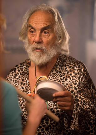 Raising Hope Season 4 Episode 16 The One Where They Get High (7)