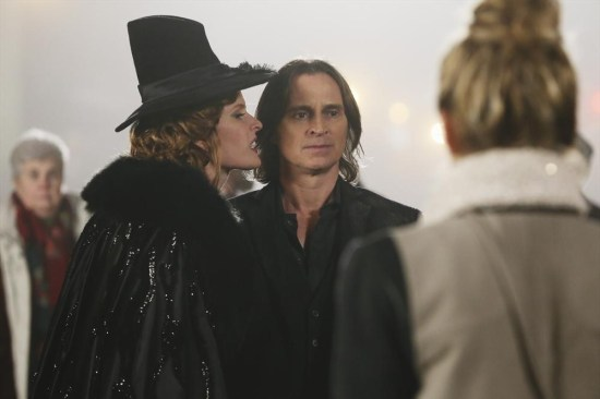 Once Upon a Time Season 3 Episode 16 It's Not Easy Being Green (19)
