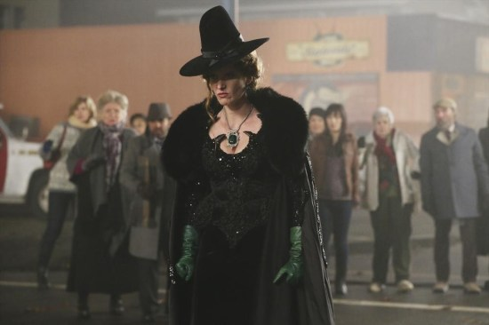 Once Upon a Time Season 3 Episode 16 It's Not Easy Being Green (17)