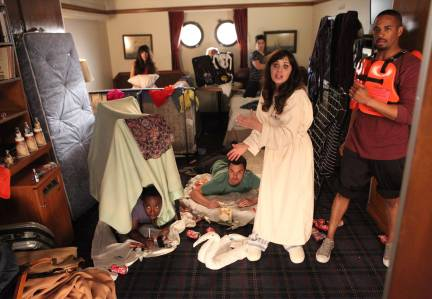 New Girl Season 3 Episode 23 Cruise (11)