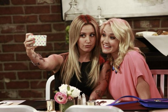 Young and Hungry Episode 3 Young & Lesbian (13)