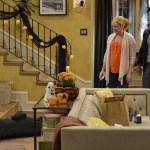 Melissa & Joey Halloween Special 2014 Witch Came First (9)