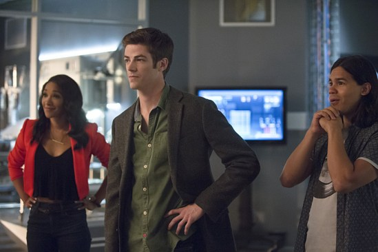 """The Flash """"Flash of Two Worlds"""" Season 2 Episode 2 (3)"""