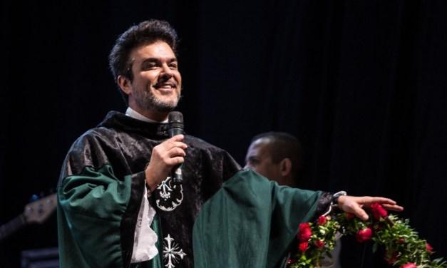 Missa às vítimas de Brumadinho reúne sobreviventes e artistas