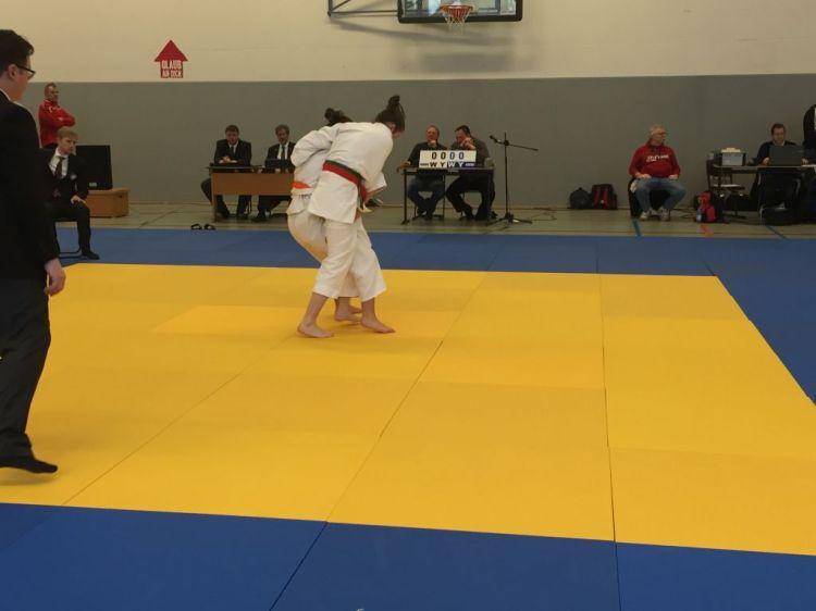 https://www.tvjahn-bad-lippspringe.de/tl_files/artikelbilder/2012/Judo/BEM U15-18 2016/Foto 07.02.16, 11 47 24.jpg