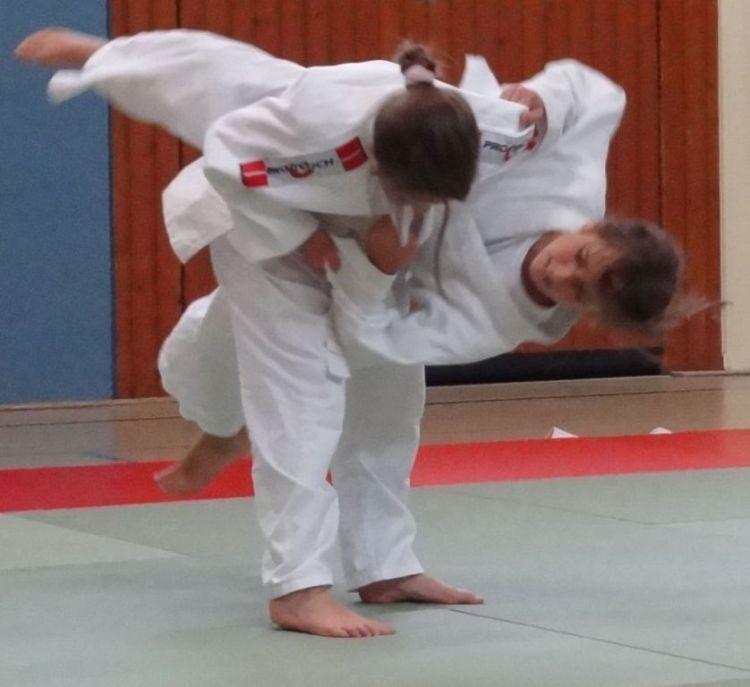 https://i1.wp.com/www.tvjahn-bad-lippspringe.de/tl_files/artikelbilder/2012/Judo/DSC08572b.jpg?w=750