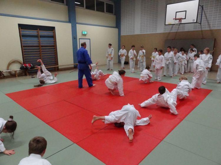 https://i1.wp.com/www.tvjahn-bad-lippspringe.de/tl_files/artikelbilder/2012/Judo/DSC09694.JPG?w=750