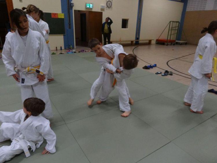 https://i1.wp.com/www.tvjahn-bad-lippspringe.de/tl_files/artikelbilder/2012/Judo/DSC09821.JPG?w=750&ssl=1
