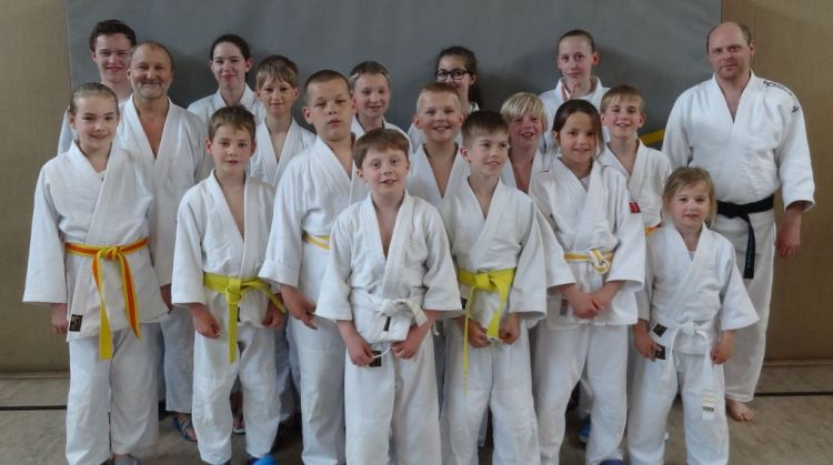 https://www.tvjahn-bad-lippspringe.de/tl_files/artikelbilder/2012/Judo/Kyu-Pruefung 060615/DSC01027b.jpg