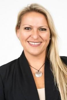Larissa Zagustin  (1)