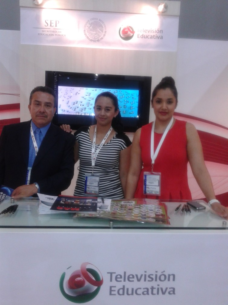 Representantes de la SEP y Television Educativa de Mexico.
