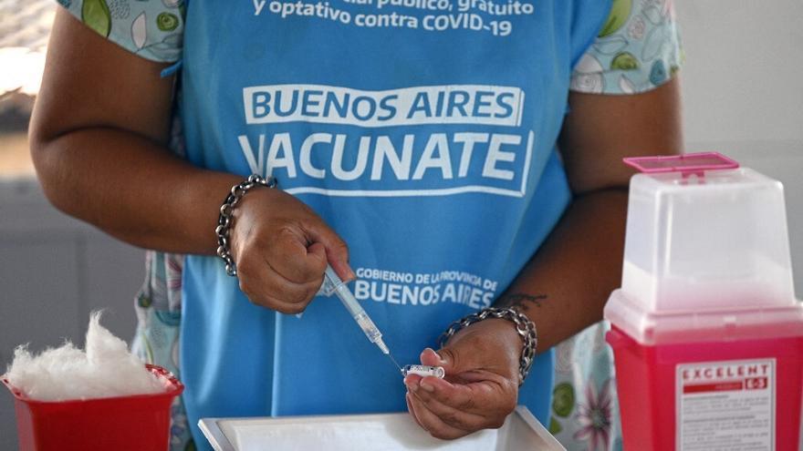 Argentina difunde lista de beneficiados por escándalo de 'vacunas VIP'