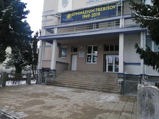 Zatvorené ostáva aj trebišovské gymnázium