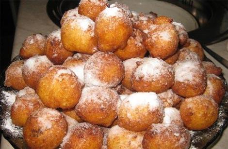 Пышные пончики из творога. С интересной и очень вкусной начинкой.