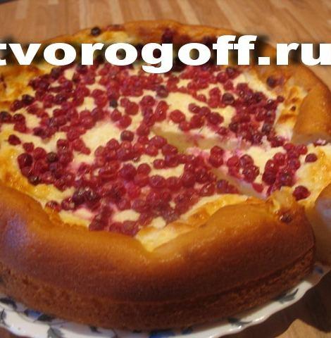 Пирог творожный со сметаной, яйцами