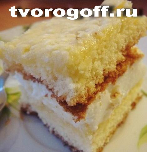 Творог в бисквитном торте