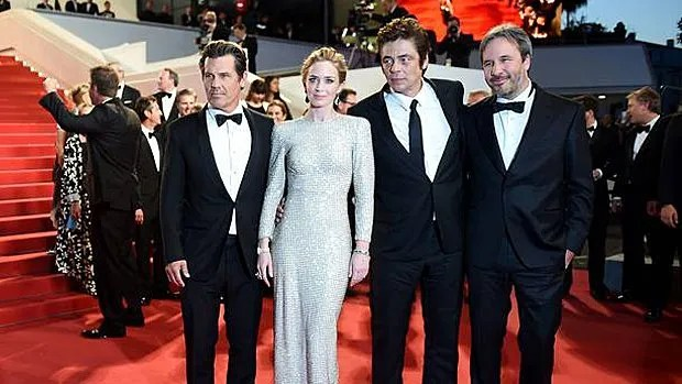 Josh Brolin, Emily Blunt, Benicio Del Toro et Denis Villeneuve au Festival de Cannes le 19 mai 2015.