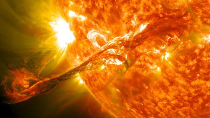 éruption solaire majeure de classe M1.8
