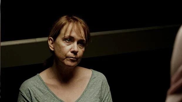 Shelley Ward joue Abigail Parker dans Therapy.